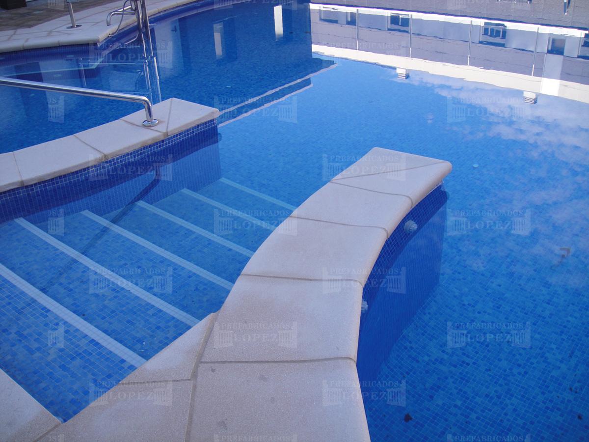 Borde de piscina prefabricados l pez for Borde piscina hormigon